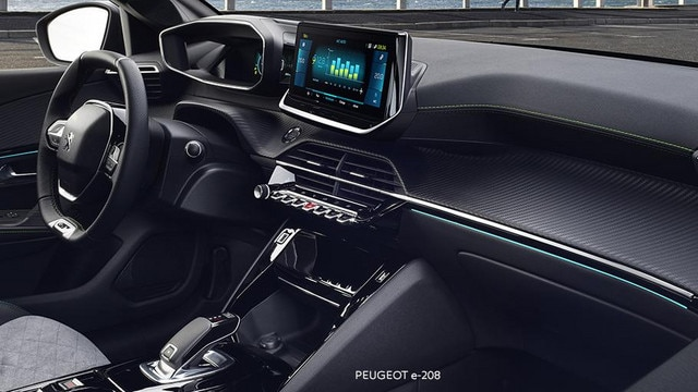PEUGEOT e-208 –  PEUGEOT i-Cockpit® 3D