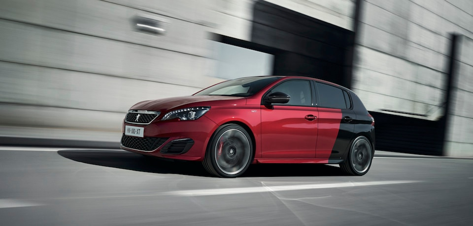 fotos und videoclips des neuen 308 gti by peugeot sport. Black Bedroom Furniture Sets. Home Design Ideas