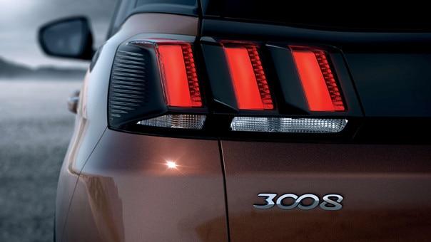 SUV PEUGEOT 3008 HYBRID4 : Feux LED arrière
