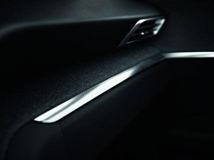 Nouveau SUV PEUGEOT 3008 : Chrome dans l'habitacle