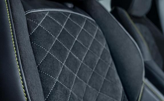 Nouveau 508 SW PEUGEOT SPORT ENGINEERED : sièges au maintien optimisé « confort-fit »