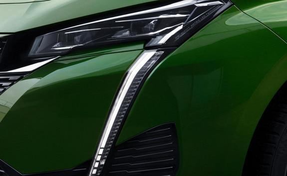 Nouvelle PEUGEOT 308 – projecteurs avant fins