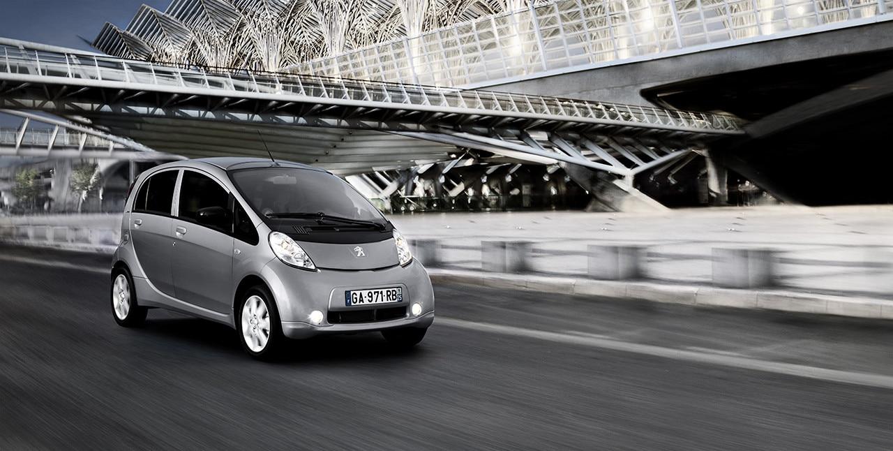 elektrofahrzeuge umweltfreundliche autos von peugeot. Black Bedroom Furniture Sets. Home Design Ideas