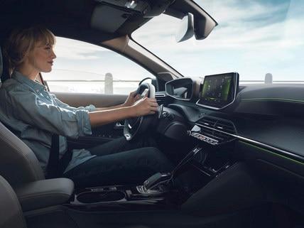 PEUGEOT 208 – NOUVEAU PEUGEOT i-Cockpit® 3D avec boîte de vitesses EAT8