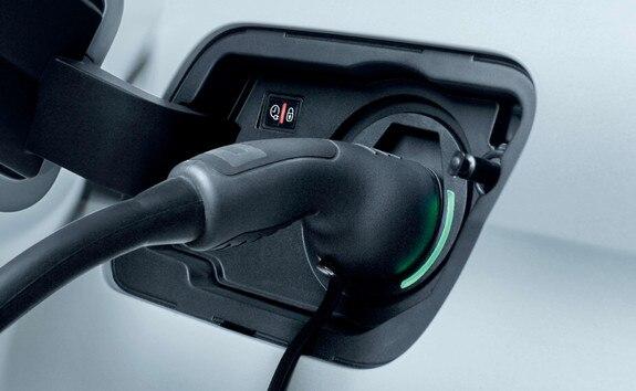 SUV PEUGEOT 3008 HYBRID4 : Voyant lumineux trappe chargeur électrique