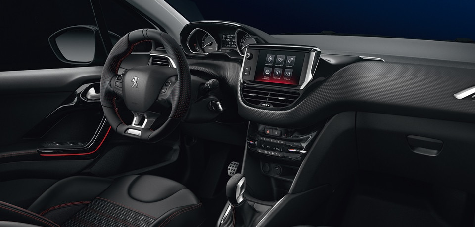 Der peugeot 208 gt line by peugeot for Peugeot 208 interior 2017